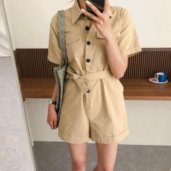 Cute, short sleeve collar jumpsuit