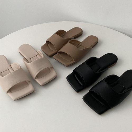 韓國空運 - 寬版條帶方頭仿皮拖鞋 涼鞋
