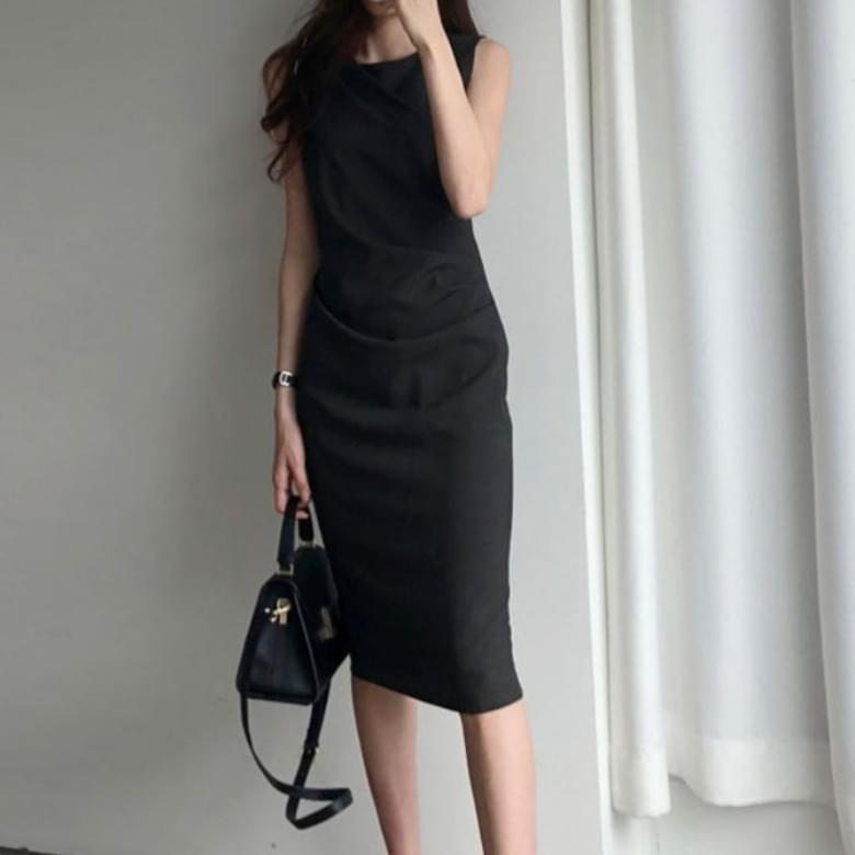 cool summer shirring line fit sleeveless midi Dress