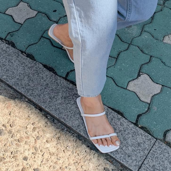 Gyatto Strap Sandals Slippers