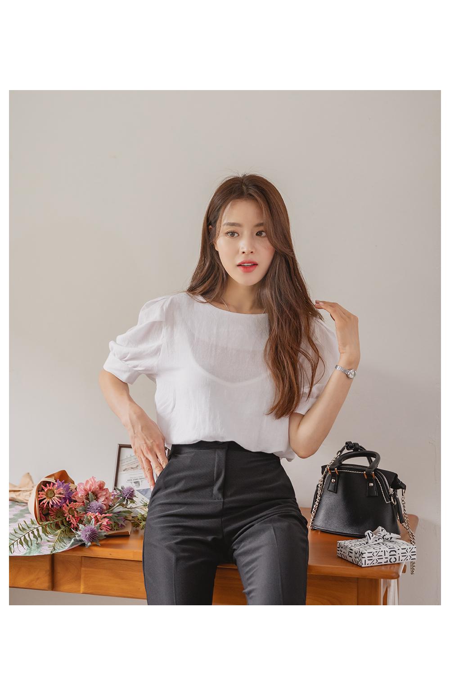 Rich puff linen blouse