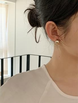 mini ball gold earrings