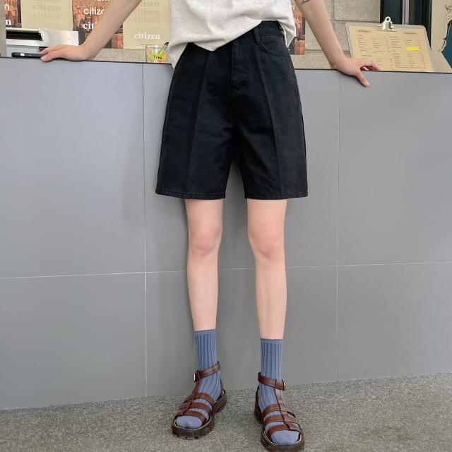 Life Semi-Wide Half Pants 短褲
