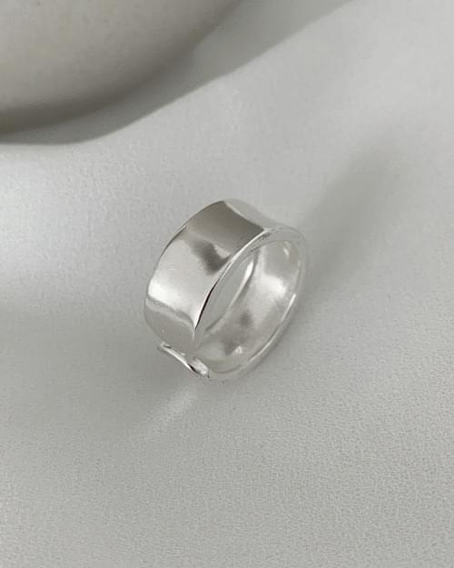 Bana Flat Bold Silver Ring