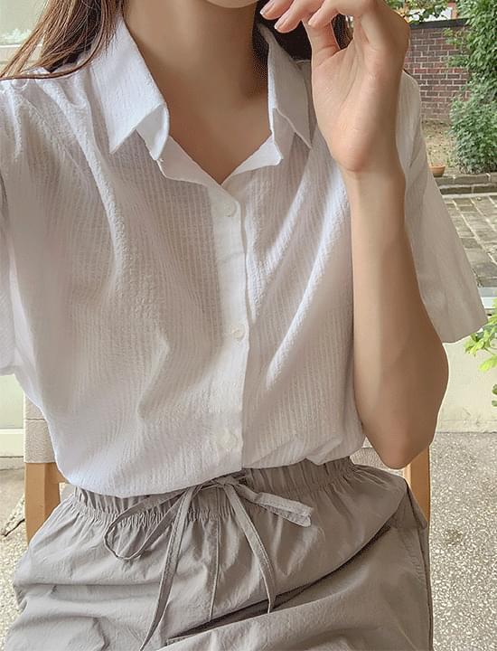 mellow check blouse