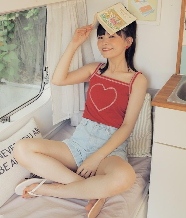 HEART CLUBContrast Stitch Red Sleeveless Top