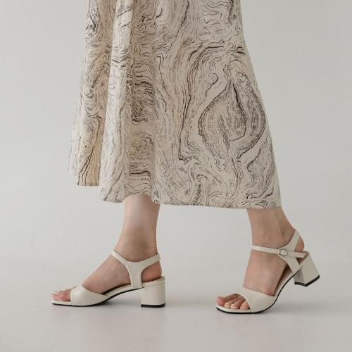 SDLTS2d186 with Muse Mary Jane sandal heels