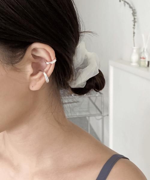 bebe earcuff