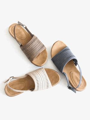 Sentimental Punching Slingback Sandals 2cm