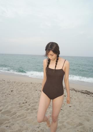 texture accent swimsuit