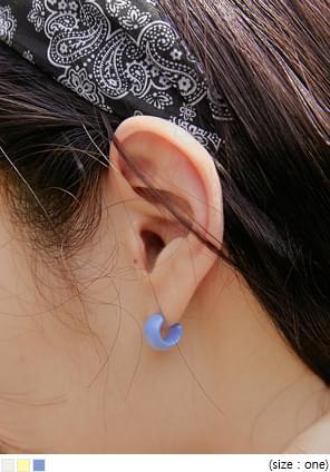 COLORFUL MINI RING EARRING