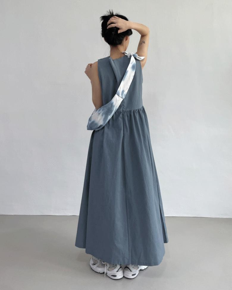 Robe Sleeveless Long Flare Dress