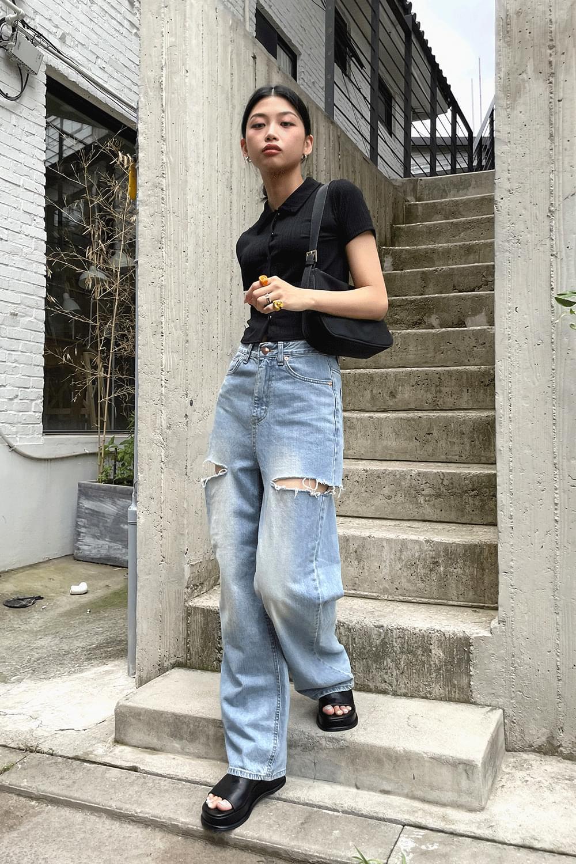On both side cut wide Jean