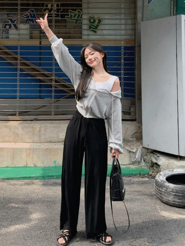 cool-piece pleated trousers