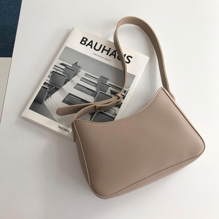 Seasonless Square Shoulder Bag