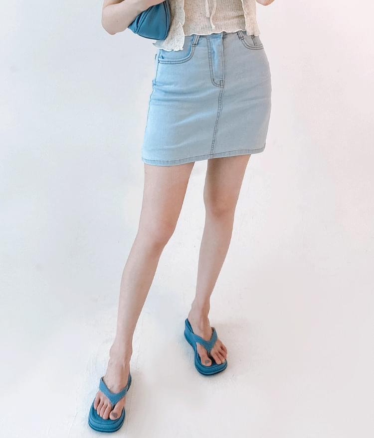 Basic Mini Denim Skirt
