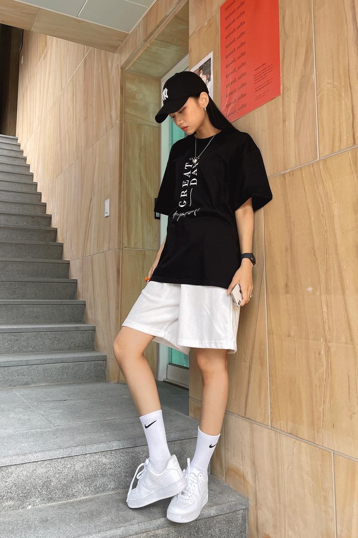 (UNISEX) Lettering T-Shirt