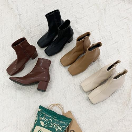Manon Square Sox Boots