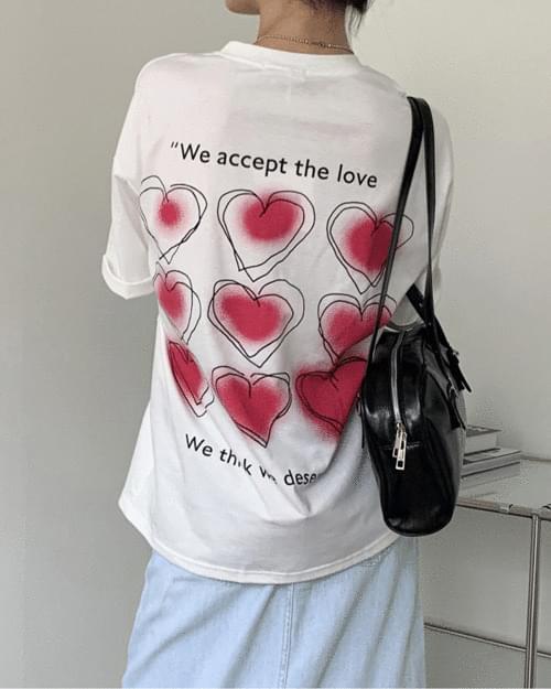 아쿠아 키치 하트 백 프린팅 반팔 티셔츠