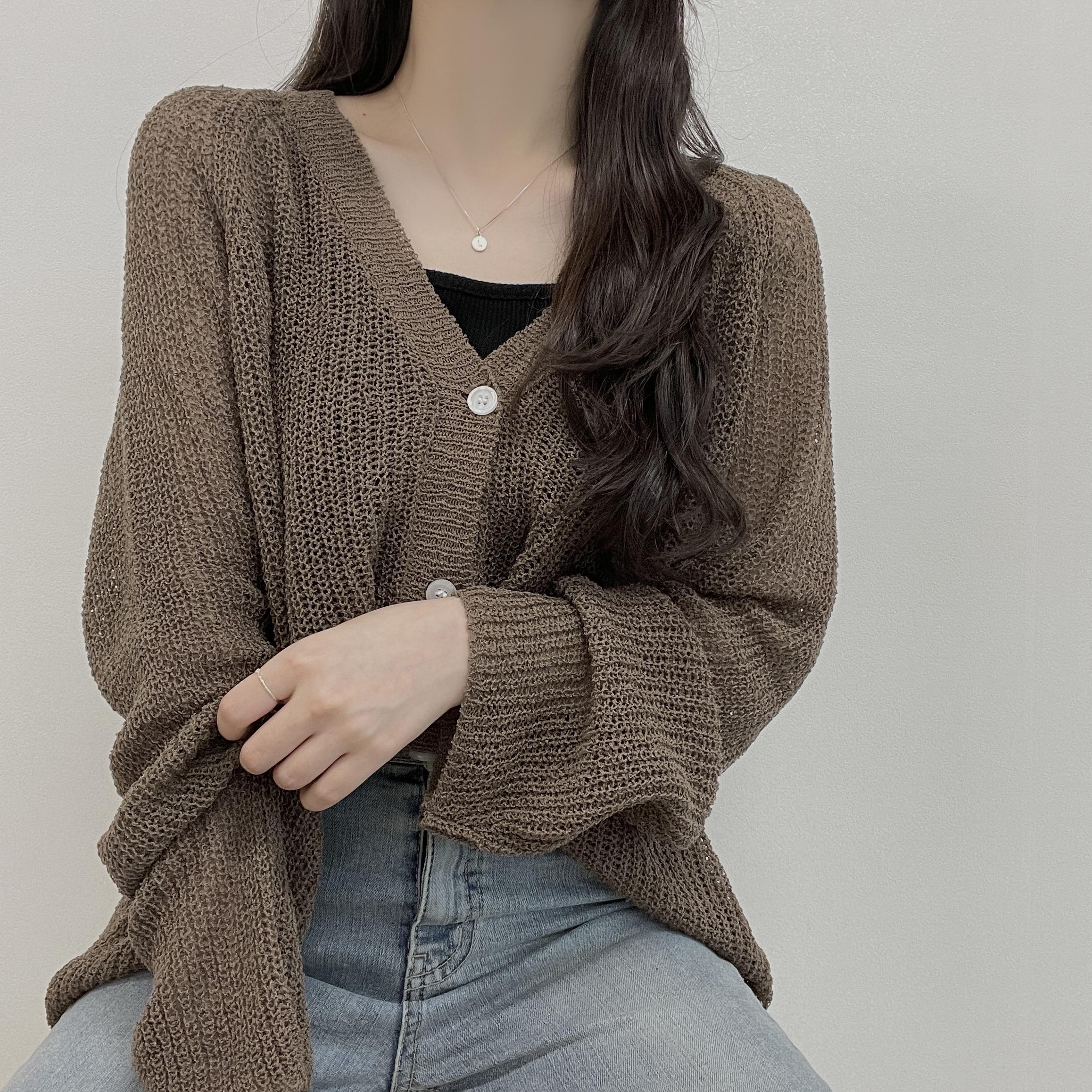 Cropple, Summer Hachi Yeori Fit V-Neck Loose Knitwear Cardigan