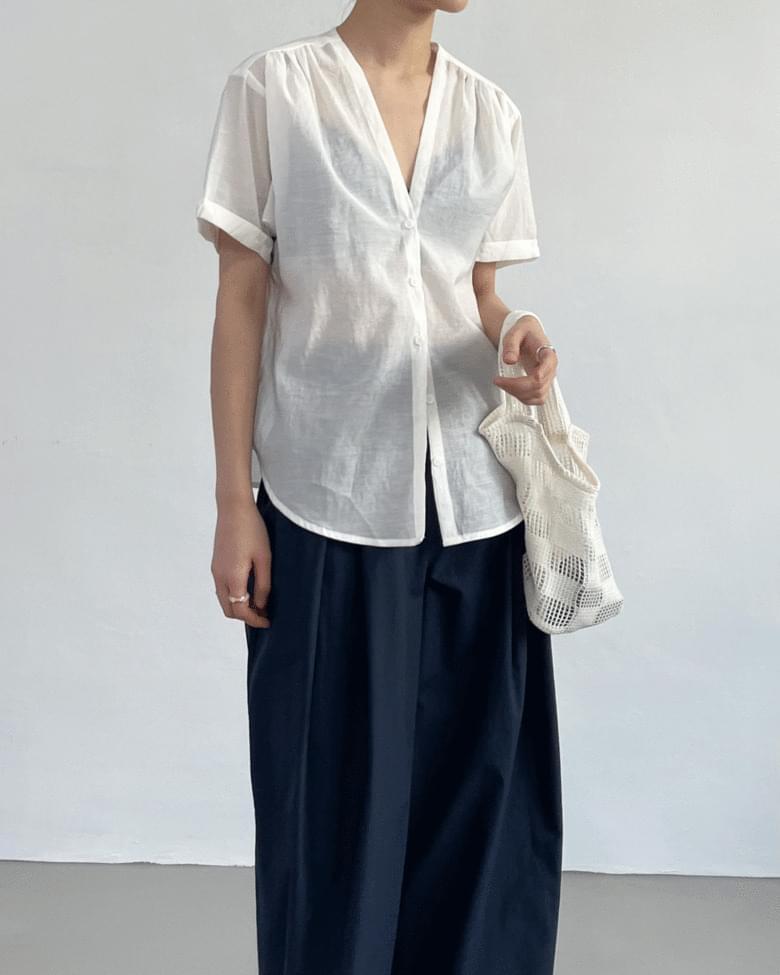 barz V-Neck roll-up blouse