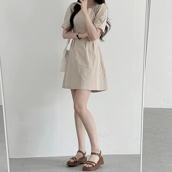 pintuck strap Dress 迷你短洋裝