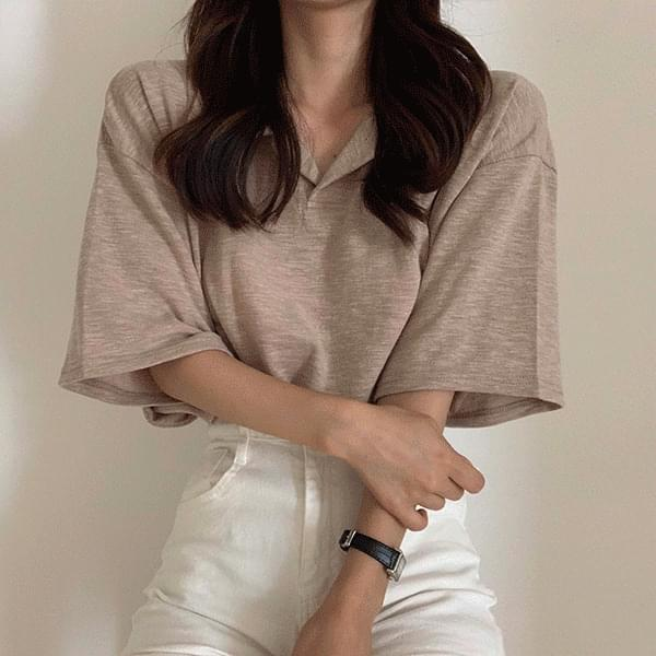 Loose-fit slab open collar T