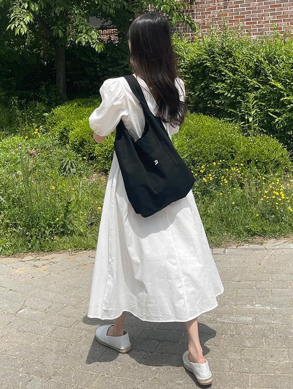 Minimal pocket shoulder bag like a gift