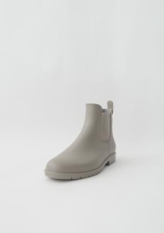 seasonless ankle rain boots