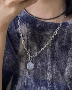 Surgical round flower chain necklace