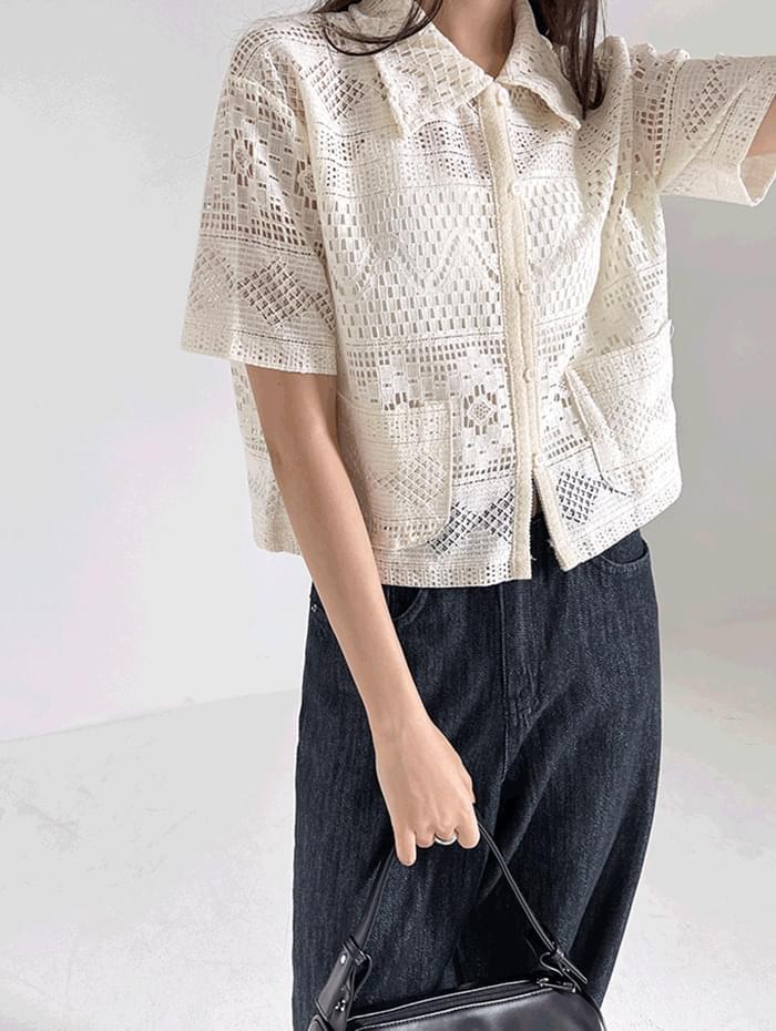 ment lace blouse