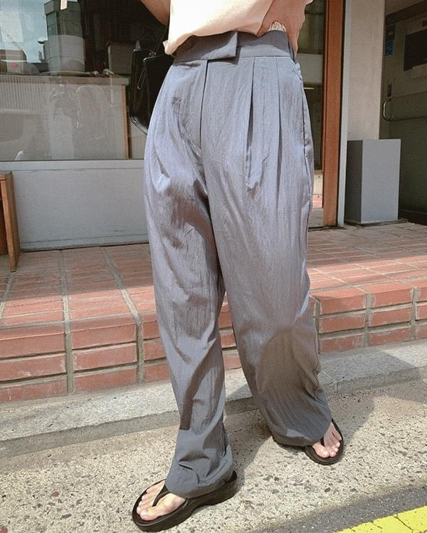 Capri pintuck wide slacks