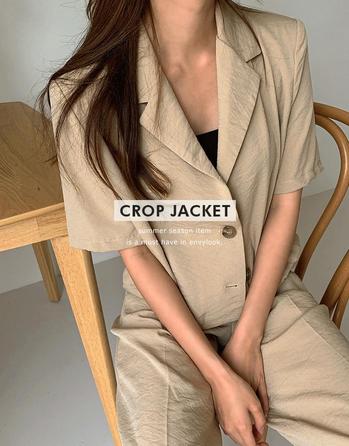 Ain Crop Jacket