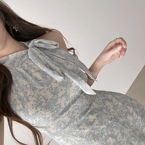 Short flower chiffon side ribbon halterneck Dress