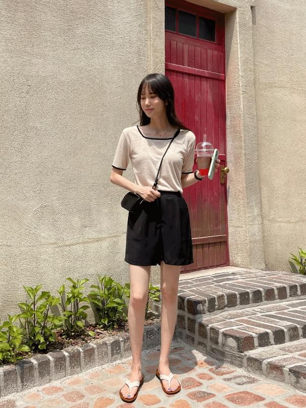 See you tomorrow Chalang Pintuck Back Banding Shorts + Lemon City Square Neck Short Sleeve T-shirt
