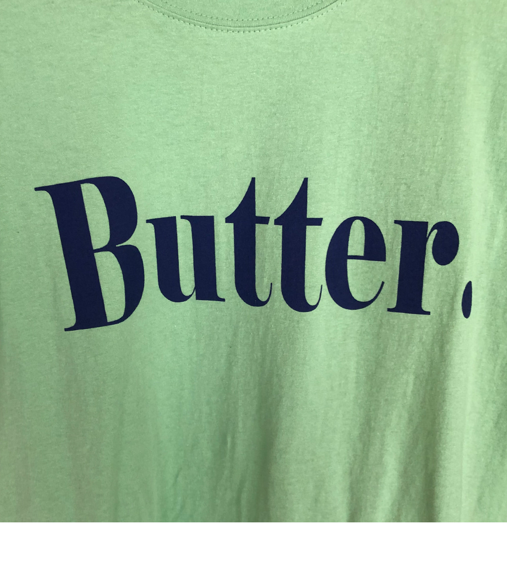 Boxy-fit, Butter Short Sleeve Tee