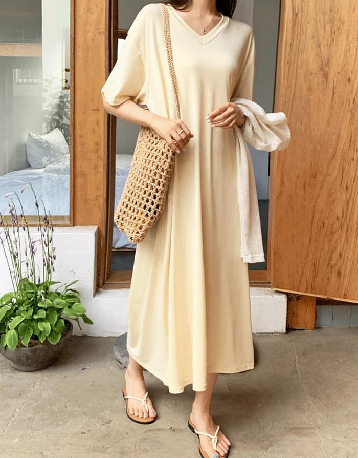 Creamy Tencel V-Neck Loose-fit Long Dress