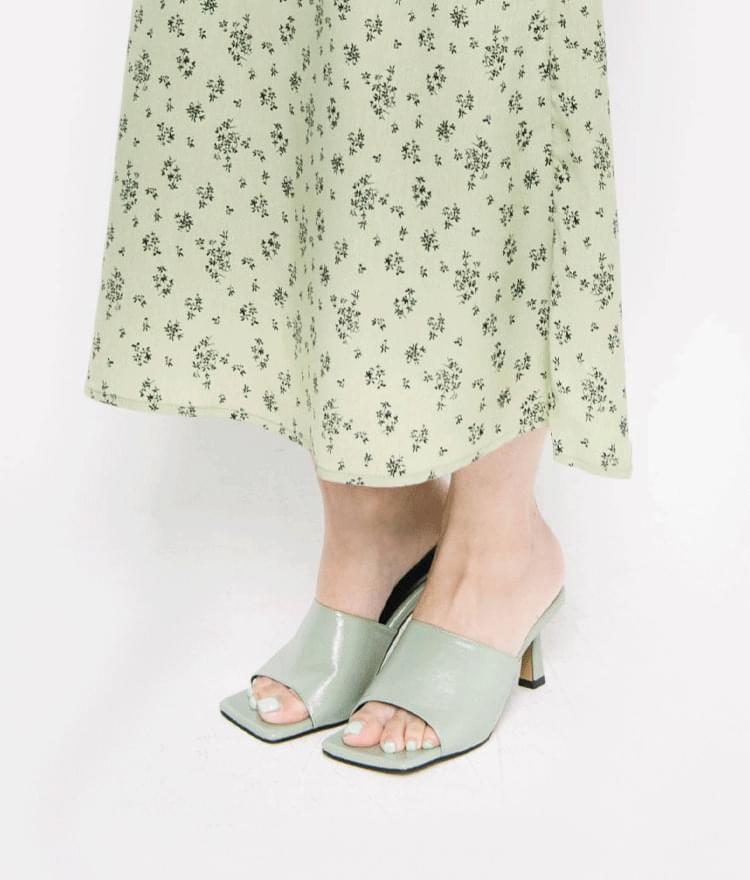 feminine square shoes