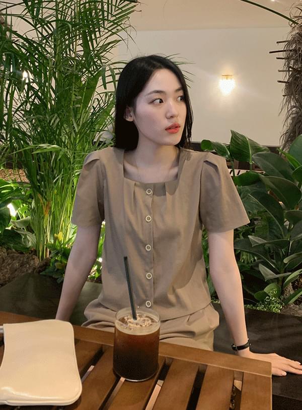 Lee square blouse
