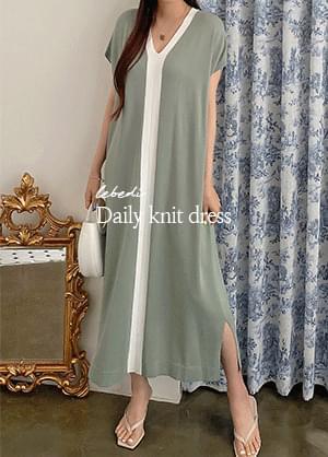 Revendy color matching side slit V-Neck long Dress