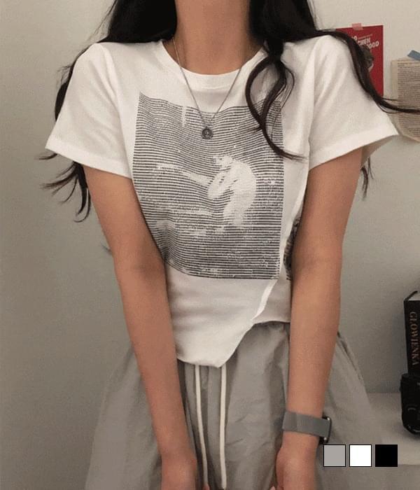 Unicorn lettering unbalance cropped T-shirt