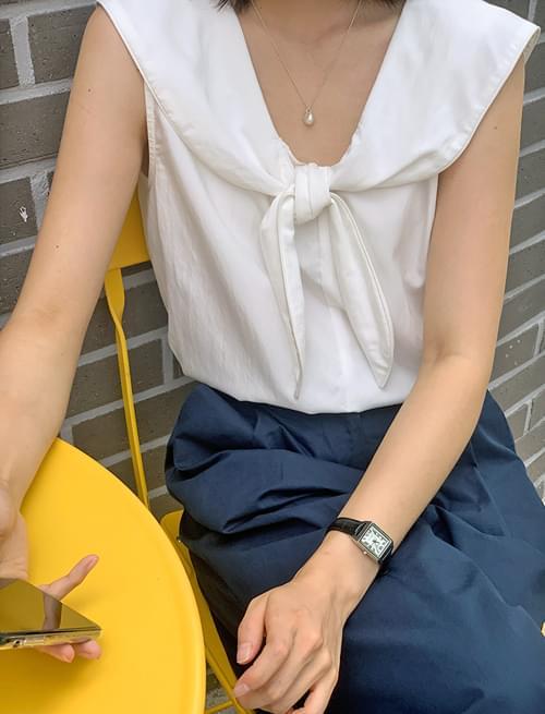 sailor ribbon sleeveless blouse