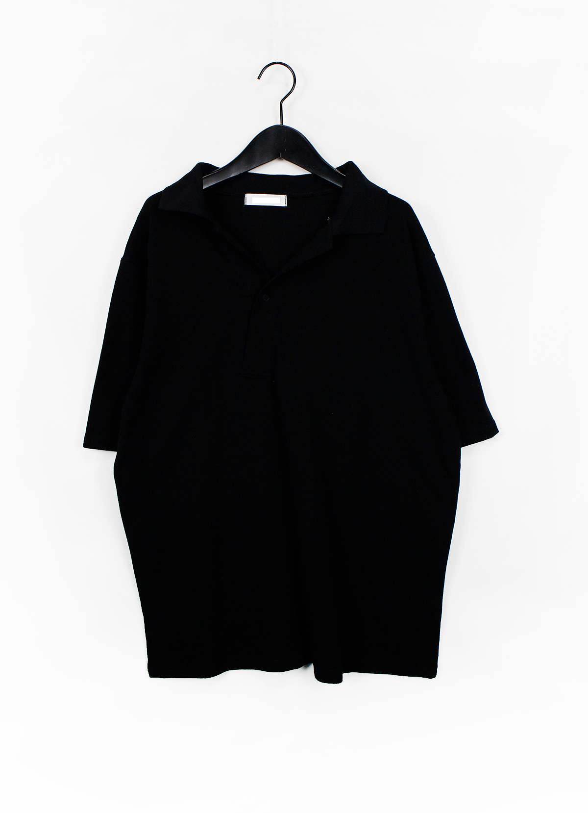 diagonal collar T-shirt