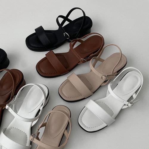 Deniva strap sandals recommended for short girls