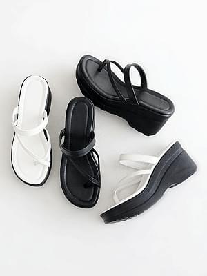 Welcome wedge split mule slippers 8cm