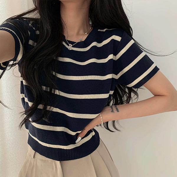 Emotional Stripe Short Sleeve Knitwear