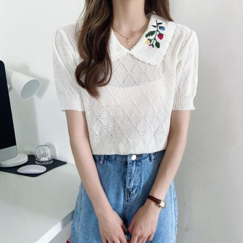 Flower Embroidery Wavy Collar Short Sleeve Knitwear