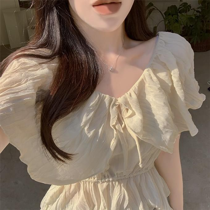 Sky lily frill ribbon pleated wings short sleeve blouse