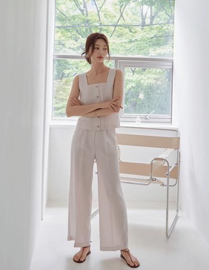 low isle sleeveless blouse