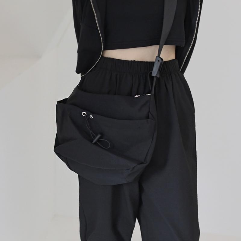 pieta string crossbody bag 肩背包